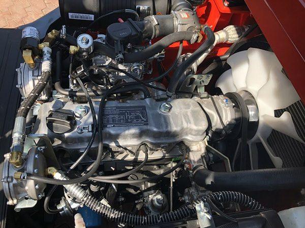 Động cơ chạy xăng gas