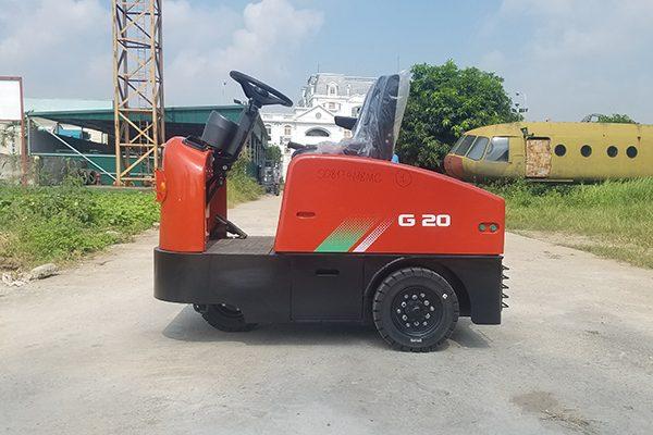 xe kéo hàng chạy điện 2 tấn