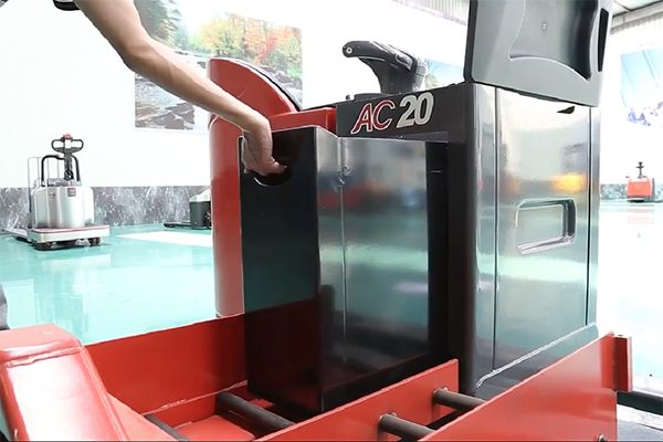 xe nâng chạy điện Heli CBD20-490