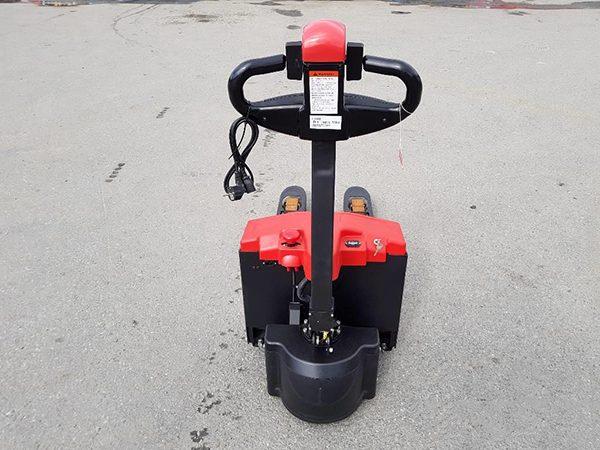 Xe nâng chạy điện mini