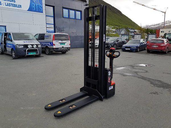 Xe nâng điện tay cao 3 m