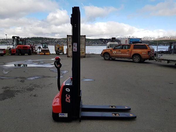 Xe nâng Heli chạy điện CDD10-070