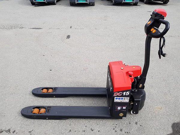 Xe nâng tay chạy điện 1.5 tấn