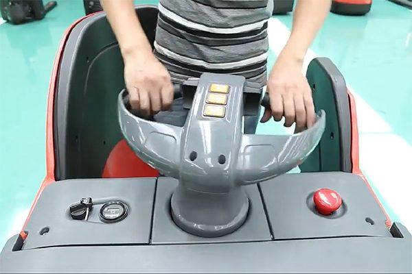 Xe nâng tay điện thấp