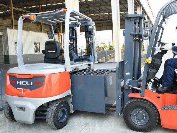 Xe nâng điện Heli 5 tấn