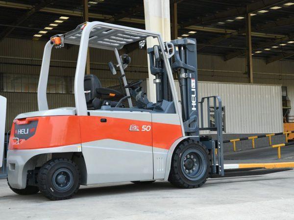 Xe nâng Heli 4 tấn chạy điện
