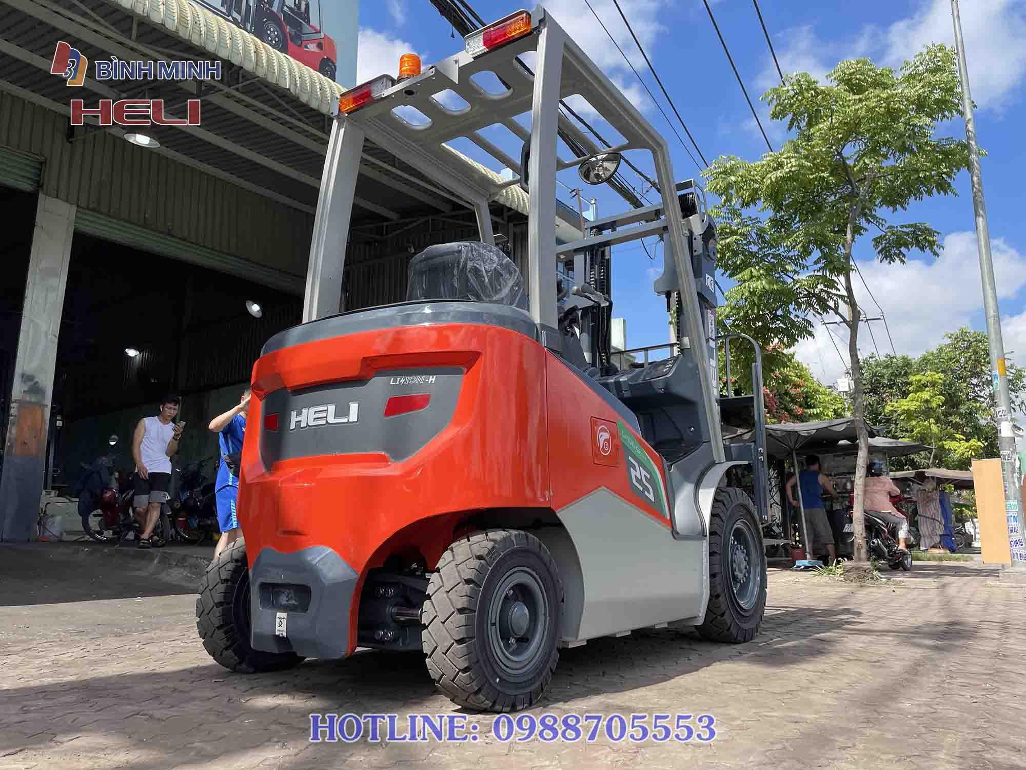 Xe nâng điện cao cấp của Heli