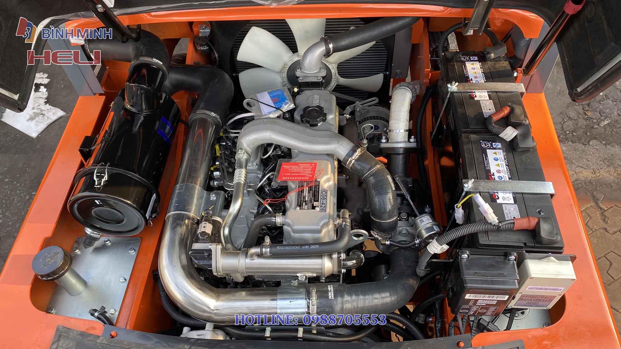 Động cơ Quanchai 4C6-85U32