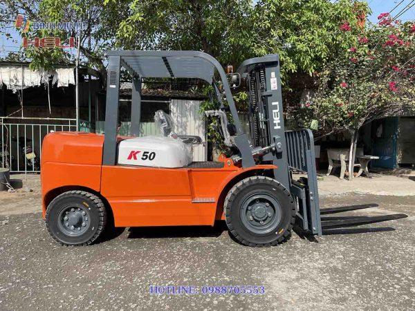 Xe nâng chạy dầu 5 tấn
